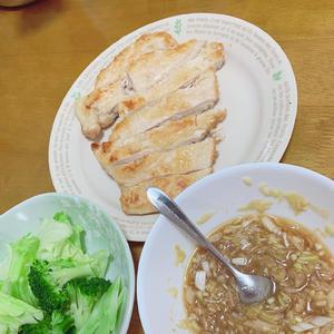 今日生まれて初めて油淋鶏作ってみた〜美味しすぎ😙😙の写真1枚目