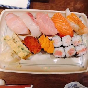 お寿司食べてきました🍣💓の写真1枚目