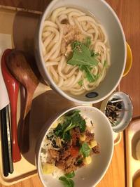 友達と外食しなくなってガッツリ定食!みたいなご飯食べる機会が少なくなった気がします。の写真