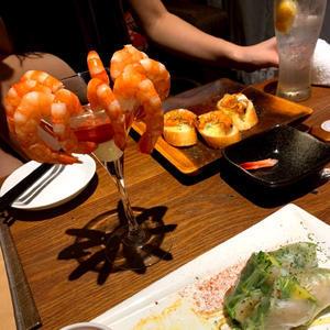 昨日はかれんちんと海老食べた(*´-`)の写真1枚目