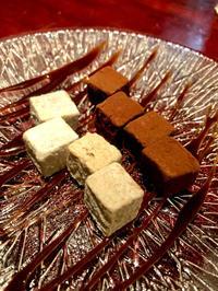 生チョコとお酒の組み合わせの写真