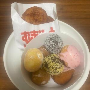 ドーナッツ食べたくなって買いに行きました〜😊✨の写真1枚目
