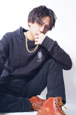 柊咲 紫音メイン写真