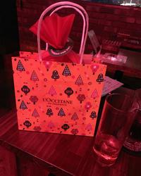 この前 私と初めて同伴してくれたお客様がプレゼントをくれました(ˊo̴̶̷̤ ᴗ o̴̶̷̤ˋ) …の写真