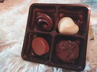 先日はお客様にグアムお土産のGODIVAのチョコレートを頂きました💗🥰💗🥰甘いものが大好きな🐰めい…の写真