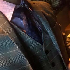 おろしたてのパンツを履くようにスーツを新調するとなんと言うか気持ちが晴れますね☺️の写真1枚目