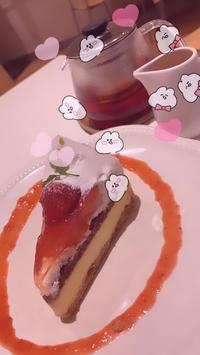 昨日はお休みだったのでケーキをの写真