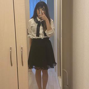 新しい洋服買いました〜😊💕の写真1枚目