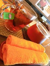 昨日は足湯カフェに行きました!の写真