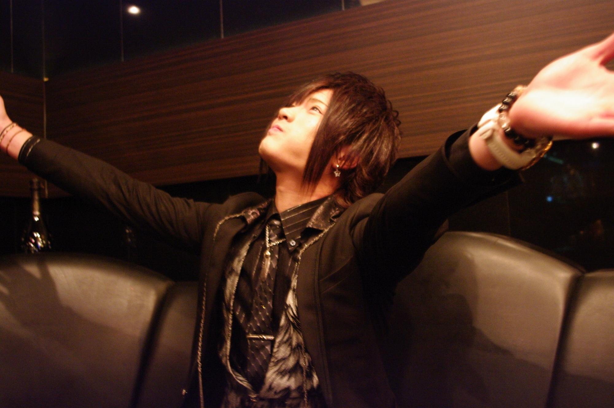 特集「ホストの前職ホストになった理由@歌舞伎町DRESSLOVER」