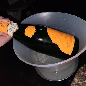 昨日は初めてソウメイオレンジ飲ませていただいた🥺の写真1枚目