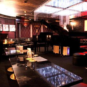 歌舞伎町ホストクラブ「ESCORT」の求人写真2
