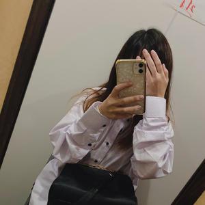 ワイシャツ私が着るとブカブカだぁの写真1枚目