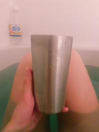 お風呂でキンキンに冷えた炭酸水の写真