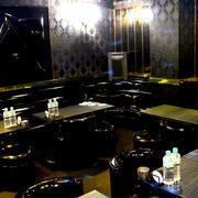 歌舞伎町ホストクラブ「A-TOKYO -3rd-」の店内写真