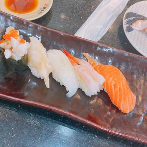 お寿司🍣の写真1枚目