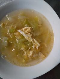 ひじき煮と中華スープの写真