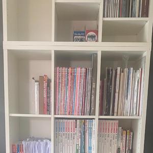 明日から4/1ということで教科書の量も増えるので気合い入れて勉強しようと新しい本棚買いました〜!!…の写真1枚目