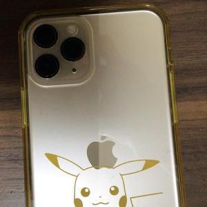 前のiPhoneケース割れてしまって可愛いピカチュウのiPhoneケースに変えました😆✨の写真1枚目