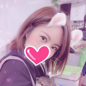 今日はお店がお休みで、少しだけモモンガちゃんと、カワウソちゃんとふれあいました(∩˃o˂∩)♡の写真2枚目