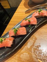 やっぱり肉寿司が1番です!🥰✨の写真