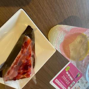 この間、勉強をしにカフェに行きました〜!!😊の写真1枚目