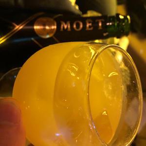 シャングラで頂くシャンパンもありがたいですが、ブランデーグラスで頂くシャンパンはもっとありがたいで…の写真1枚目