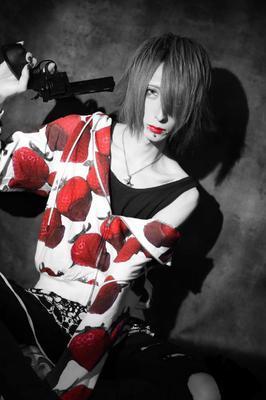 咲月綺雫メイン写真