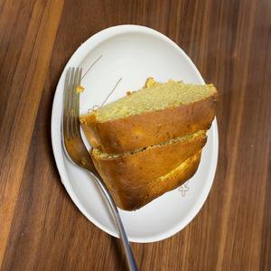 友達から手作りのバナナケーキいただきました〜😊✨の写真1枚目