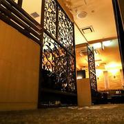 歌舞伎町ホストクラブ「R -TOKYO-」の店内写真
