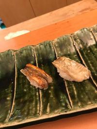 昨日は大好きなお寿司に連れてってもらえました!の写真